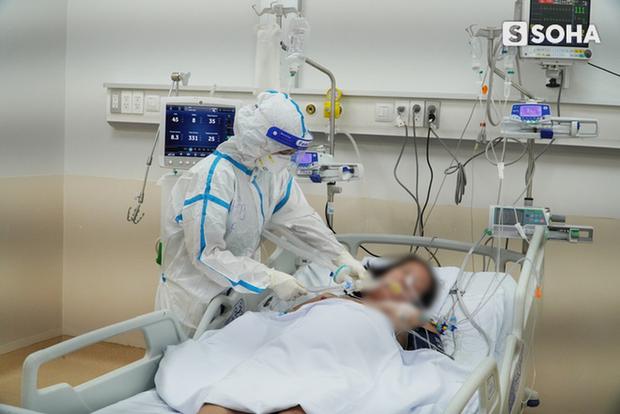 Tuyến cuối cùng giành giật sự sống cho BN Covid-19 tại TP.HCM: Mỗi ngày tiếp nhận liên tục 50-60 ca nặng. Nhiều lúc BN đột ngột ngưng thở - Ảnh 7.