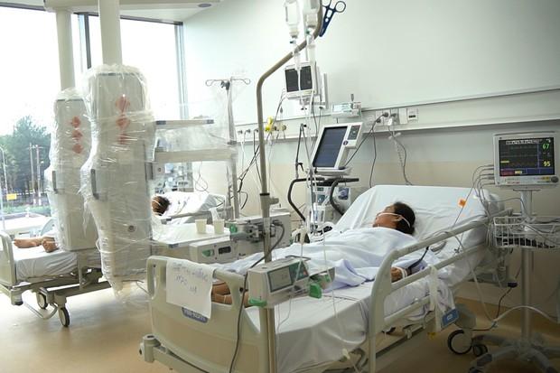 Cận cảnh quy trình đánh chặn giúp bệnh nhân Bệnh viện Hồi sức COVID-19 thoát cửa tử - Ảnh 6.