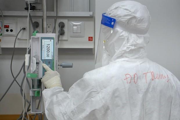 Cận cảnh quy trình đánh chặn giúp bệnh nhân Bệnh viện Hồi sức COVID-19 thoát cửa tử - Ảnh 2.