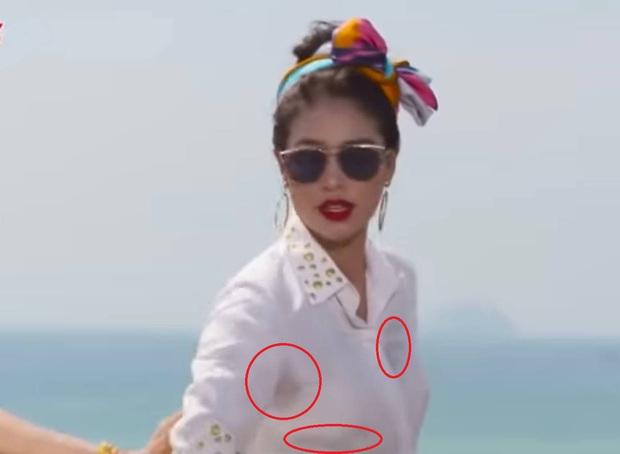 Phạm Hương từng để lộ khoảnh khắc đổ mồ hôi cánh trên sóng truyền hình - Ảnh 3.