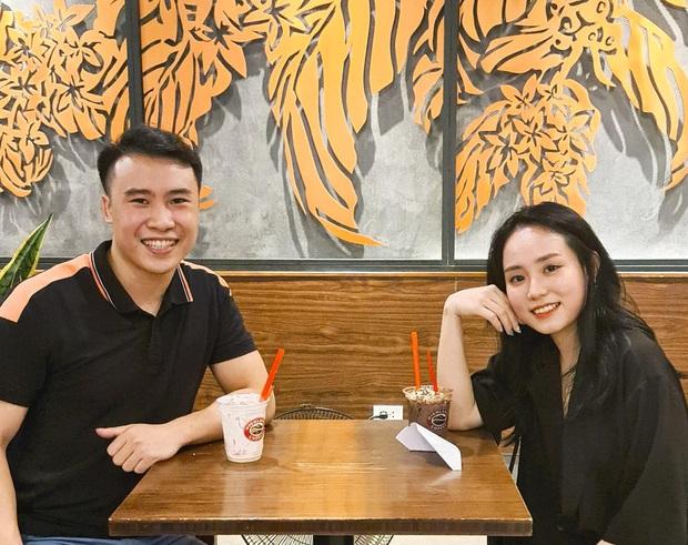Cô giáo Vật lý đang hot thanh minh chuyện đã có bạn trai, còn tha thiết mong netizen làm 1 điều cho mình - Ảnh 2.