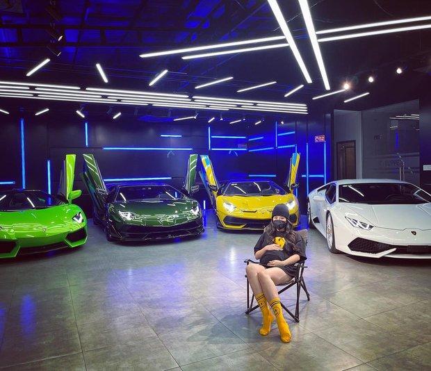 Hội bầu quý tộc vừa kết nạp thêm 1 thành viên mới, là gái đẹp sở hữu BST siêu xe trên cả khủng - Ảnh 3.