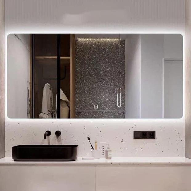 Nhà Chi Pu có gương đèn led hịn quá, mua về trưng phòng tắm thì sang xịn như khách sạn 5 sao - Ảnh 2.