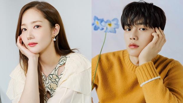 Park Min Young khoe tạo hình sinh viên trong phim đóng cặp với Song Kang, dân tình ngỡ ngàng: Chị không già đi hay sao? - Ảnh 2.