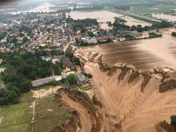 Hết lũ lụt đến cháy rừng: Thảm họa tự nhiên có quy mô lịch sử đang xảy ra khắp thế giới - Ảnh 4.