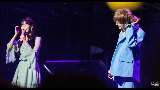 Điểm danh dàn idol Kpop đang nắm giữ tấm thẻ triệu hồi IU: Từ G-Dragon cho đến TWICE đều sở hữu quyền năng có 1-0-2! - Ảnh 1.