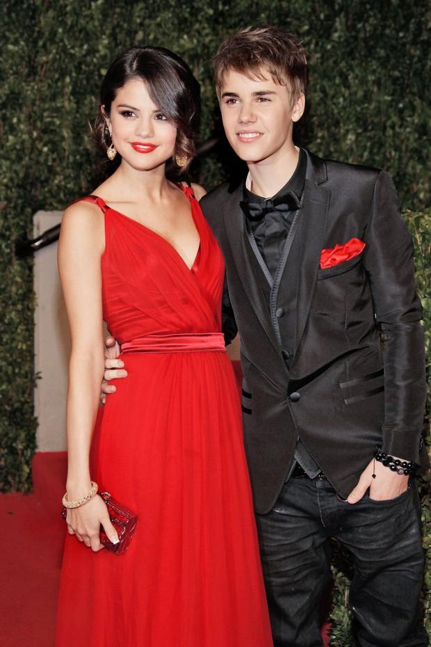 Selena Gomez và 9 bạn trai quá hot: Justin nhập nhằng bị Charlie Puth dằn mặt, The Weeknd quá tốt nhưng không khác gì Orlando - Ảnh 2.