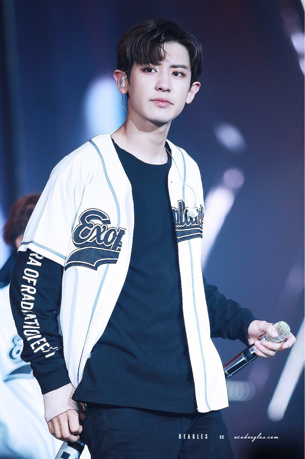 Ngày Ngô Diệc Phàm kiện SM rời EXO: Chanyeol tức giận bỏ follow, Suho đơn độc trên sân khấu, Tao nói đạo lý mà làm gì? - Ảnh 4.