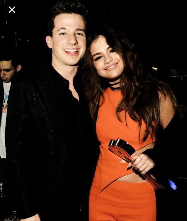 Selena Gomez và 9 bạn trai quá hot: Justin nhập nhằng bị Charlie Puth dằn mặt, The Weeknd quá tốt nhưng không khác gì Orlando - Ảnh 10.