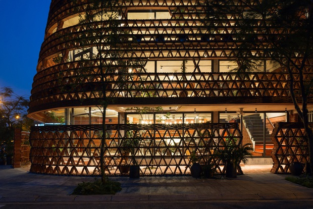 Hà Nội: Quán cà phê lấy cảm hứng từ cành cây và hang động của người tiền sử đẹp lạ trên báo Mỹ - Ảnh 5.