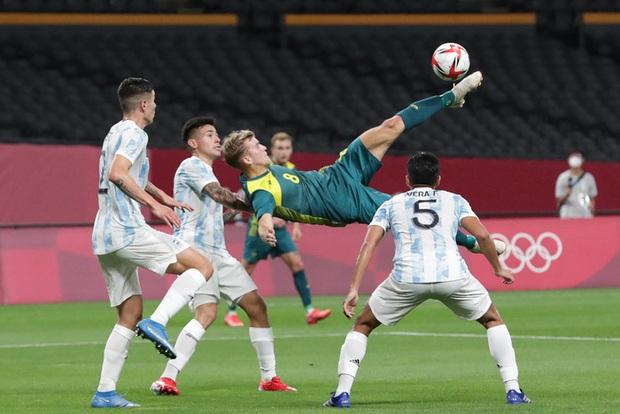 Thế hệ đàn em của Messi thua đội tuyển mạnh nhất Đông Nam Á ở trận mở màn Olympic 2020 - Ảnh 7.