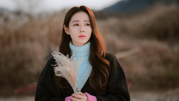 Không phải Son Ye Jin, đây mới là tình đầu quốc dân đời đầu xứ Hàn: Gia tài phim siêu khủng, U70 vẫn đẹp rạng rời - Ảnh 1.
