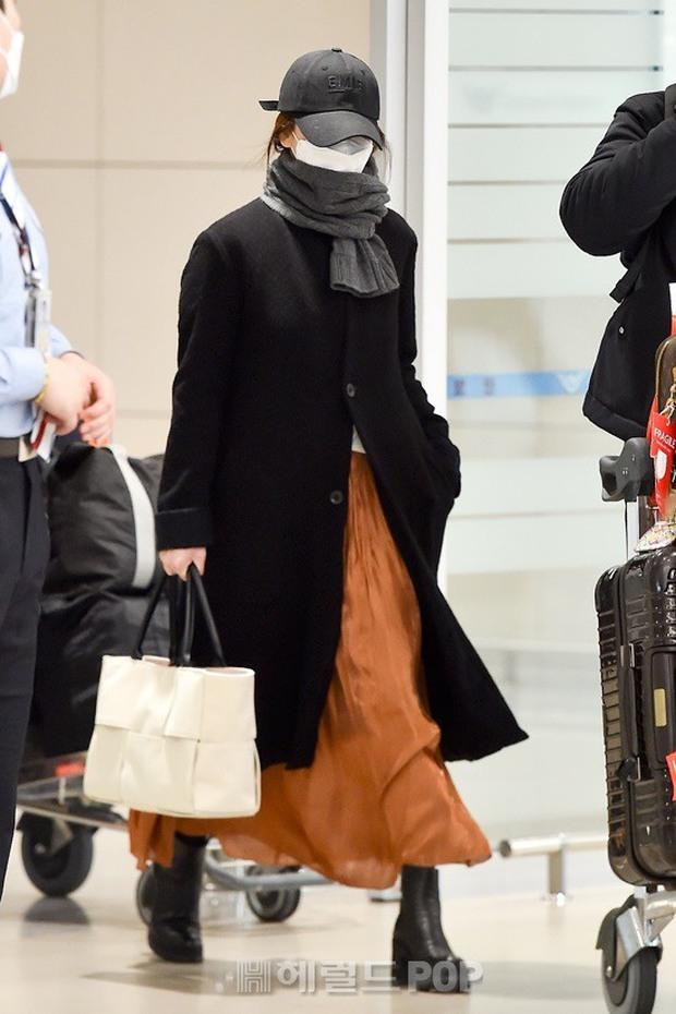 Bóc mẽ Song Hye Kyo: Ảnh thời trang khác hẳn đời thực với chiều cao gây lú, nhìn đôi chân mà haizzz - Ảnh 9.