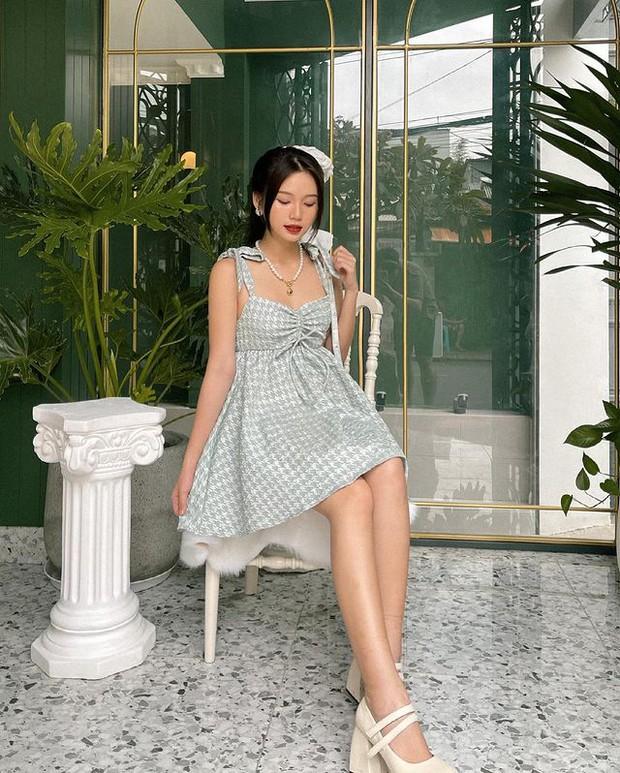 Rosé mặc váy hai dây xinh quá mà xem giá thì ối giời ơi, yên tâm có loạt váy na ná giá chỉ vài trăm cho chị em nè! - Ảnh 14.