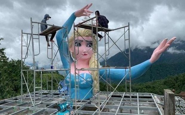 Tượng Nữ hoàng băng giá phiên bản đột biến ở Sa Pa chính thức bị tháo dỡ, hy vọng sẽ không còn công trình tương tự xuất hiện nữa! - Ảnh 2.
