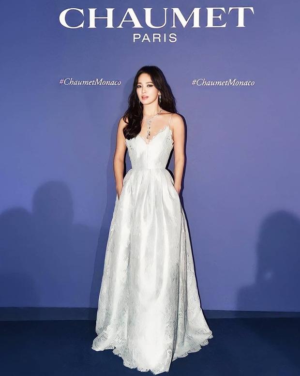 Cuộc đại tu body của Song Hye Kyo: Xưa chân thô ngắn 1 mẩu dìm sạch dáng, nay lột xác ngoạn mục đến mức được khen là tỷ lệ vàng - Ảnh 6.