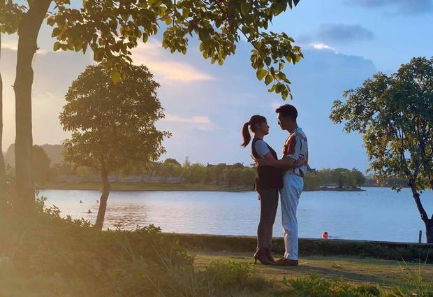 Lộ ảnh cưới và hậu trường ôm ấp cực tình của Long - Nam (Hương Vị Tình Thân): Sau tất cả mình lại về với nhau? - Ảnh 1.