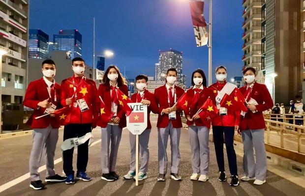 Đài lửa Olympic được thắp sáng, ngày hội thể thao lớn nhất thế giới chính thức bắt đầu!!! - Ảnh 27.