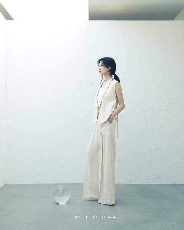 Cuộc đại tu body của Song Hye Kyo: Xưa chân thô ngắn 1 mẩu dìm sạch dáng, nay lột xác ngoạn mục đến mức được khen là tỷ lệ vàng - Ảnh 18.