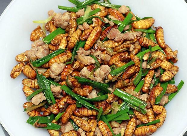 Việt Nam có loại đặc sản rất lạ lùng: Nhiều người ăn vào dị ứng nhưng vẫn cực hút khách - Ảnh 4.