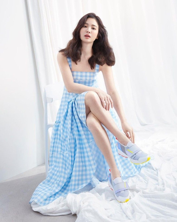 Cuộc đại tu body của Song Hye Kyo: Xưa chân thô ngắn 1 mẩu dìm sạch dáng, nay lột xác ngoạn mục đến mức được khen là tỷ lệ vàng - Ảnh 12.
