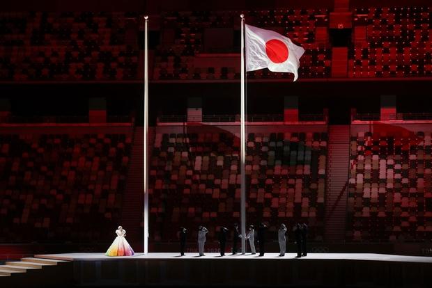 Đài lửa Olympic được thắp sáng, ngày hội thể thao lớn nhất thế giới chính thức bắt đầu!!! - Ảnh 34.