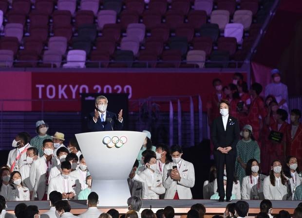 Đài lửa Olympic được thắp sáng, ngày hội thể thao lớn nhất thế giới chính thức bắt đầu!!! - Ảnh 8.