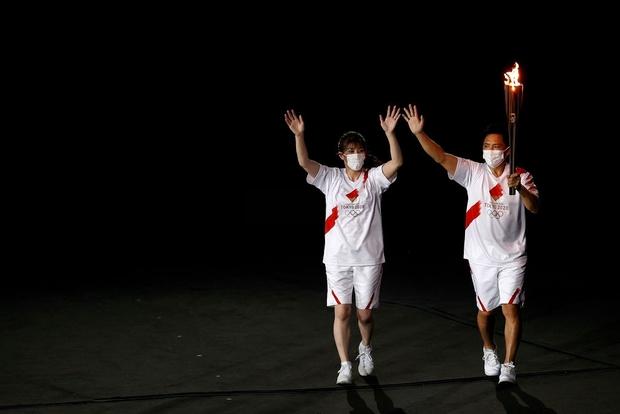 Đài lửa Olympic được thắp sáng, ngày hội thể thao lớn nhất thế giới chính thức bắt đầu!!! - Ảnh 3.