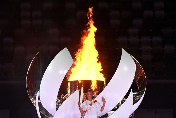 Đài lửa Olympic được thắp sáng, ngày hội thể thao lớn nhất thế giới chính thức bắt đầu!!! - Ảnh 2.