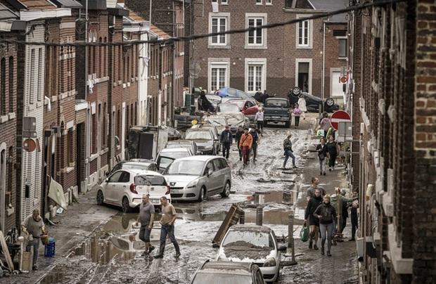 Ít nhất 205 người thiệt mạng trong trận mưa lũ nghiêm trọng ở Tây Âu - Ảnh 1.