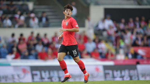 Tài năng trẻ Hàn Quốc bị đả kích vì hành động không đẹp với đàn anh sau thất bại cay đắng ở Olympic - Ảnh 2.