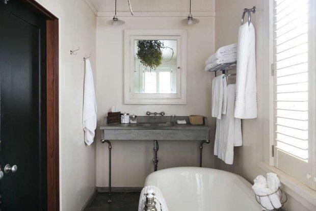 6 thói quen khiến phòng tắm bừa bộn kém sang, tệ hơn là biến thành ổ vi khuẩn gây bệnh - Ảnh 1.