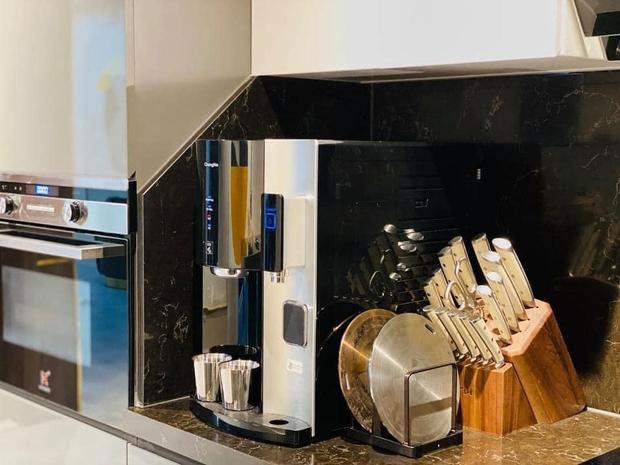 Căn bếp 2 tỷ khiến chị em xôn xao: Lấy cảm hứng từ khách sạn tại Hàn, đồ bếp siêu xịn, riêng bộ dao đã có giá 9 triệu - Ảnh 22.