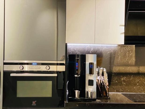 Căn bếp 2 tỷ khiến chị em xôn xao: Lấy cảm hứng từ khách sạn tại Hàn, đồ bếp siêu xịn, riêng bộ dao đã có giá 9 triệu - Ảnh 18.