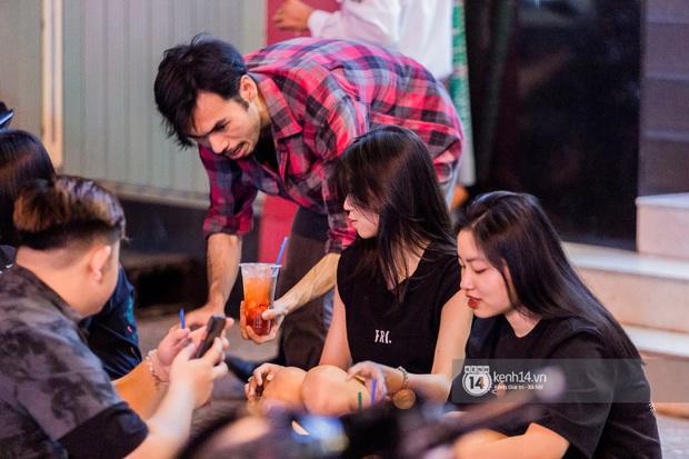 Giữa cơn sốt ai là rapper số 1 Việt Nam bỗng dưng netizen lại gọi tên anh trai bán trà dâu Đông Du, ủa gì vậy? - Ảnh 6.