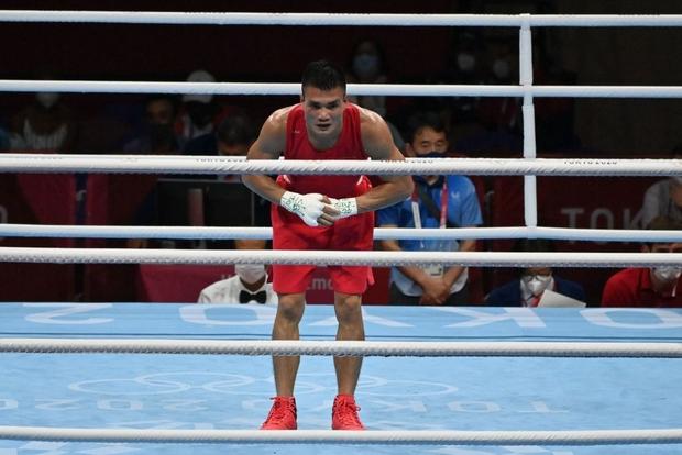 Tin cực vui tại Olympic: Võ sĩ boxing Nguyễn Văn Đương đấm ngã đối thủ, xuất sắc tiến vào vòng 1/8 - Ảnh 4.