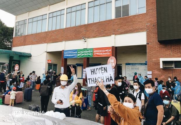 720 người dân Hà Tĩnh lên chuyến tàu 0 đồng rời Sài Gòn về quê - Ảnh 5.