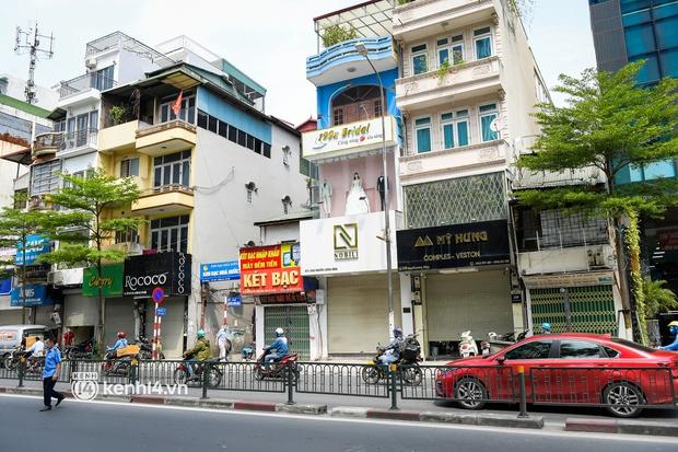 Quán ăn Hà Nội đồng loạt đóng cửa sau chỉ thị 16: Chung tay chống dịch chứ càng bán càng lỗ - Ảnh 10.