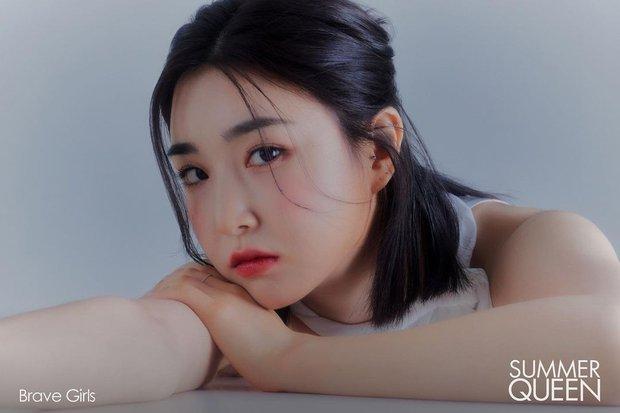 Top 10 nữ idol hot nhất nửa đầu năm 2021: BLACKPINK và nhóm nhạc hiện tượng so kè khốc liệt, Red Velvet - TWICE lặn mất tăm - Ảnh 6.