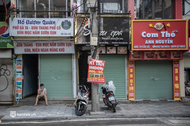 Quán xá Hà Nội đồng loạt đóng cửa, không một bóng dáng shipper trong ngày đầu thực hiện chỉ thị 16 - Ảnh 4.
