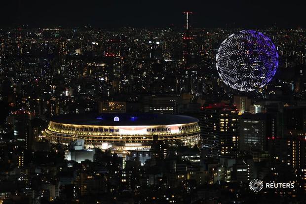 Khoảnh khắc huyền ảo: 1.824 máy bay không người lái trình diễn mãn nhãn ở lễ khai mạc Olympic - Ảnh 5.