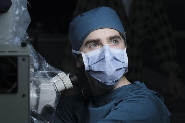 Xem The Good Doctor để được bác sĩ tự kỷ chữa lành, để hiểu vì sao đây là phim y khoa hot nhất hiện tại - Ảnh 11.