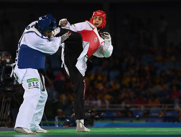 Nam thần bóng nhẫy xứ Tonga và hành trình thoát nhọ khó tin để giành vé tới Olympic - Ảnh 2.