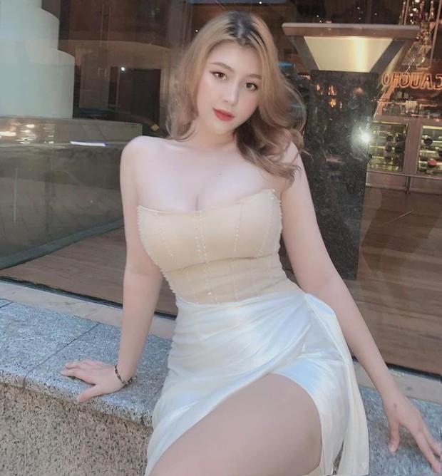 Hot girl ngực khủng Sunna khoe ảnh từ nhỏ, đẹp hút hồn thế này bảo sao luôn là tâm điểm chú ý của cả làng game Việt - Ảnh 6.