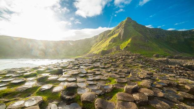Ireland hứng chịu liên tiếp 3 ngày nắng nóng kỷ lục trong vòng một tuần - Ảnh 1.