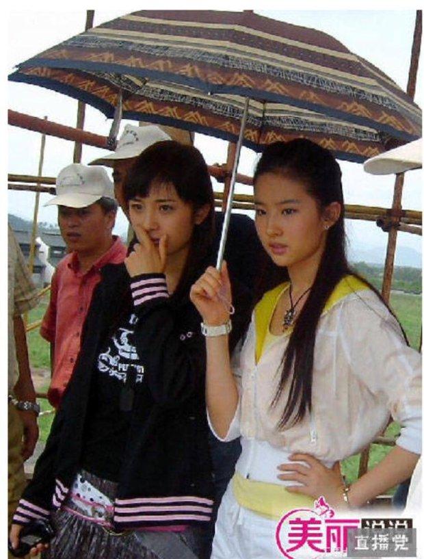 Dương Mịch - nữ thần hạng A không có nổi 1 người bạn thân trong làng giải trí: Đường Yên ngó lơ, Lưu Diệc Phi phớt lờ - Ảnh 10.