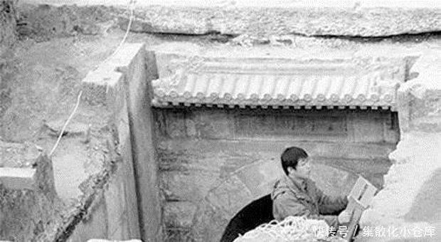 Bước vào lăng mộ thái giám Lý Liên Anh, đội khảo cổ chết khiếp vì cảnh tượng ám ảnh bên trong quan tài! - Ảnh 1.