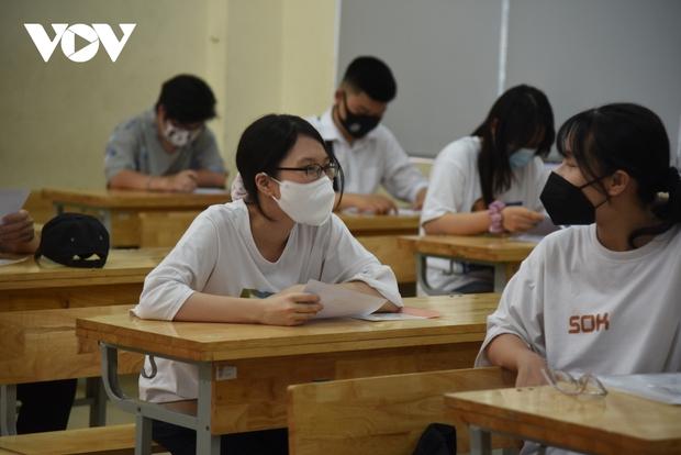 Hơn 2.500 học sinh THPT tại TP.HCM sẽ được xét tốt nghiệp, không phải thi  - Ảnh 1.