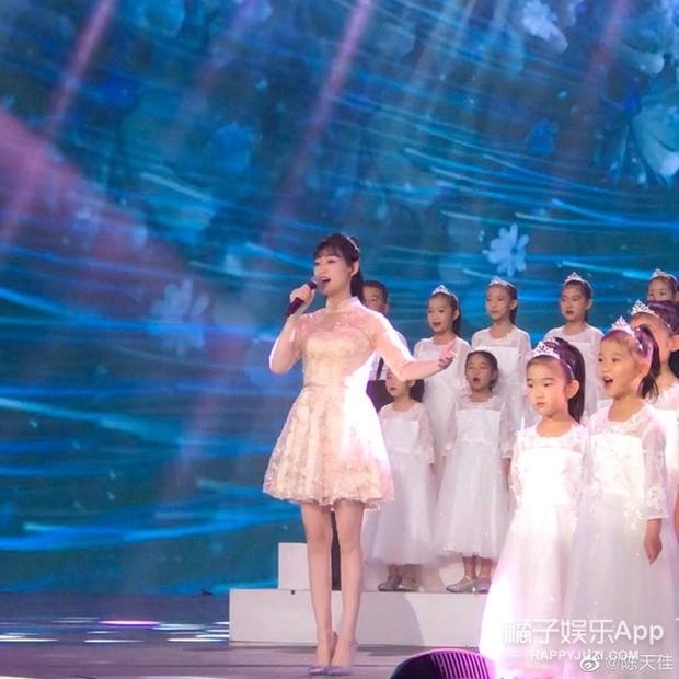 Thiên thần nhí góp mặt trong MV Olympic Bắc Kinh 2008: 5 tuổi rưỡi đã gây chấn động quốc tế, sau 13 năm giờ ra sao? - Ảnh 9.