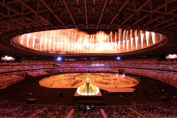 Từ Olympic Tokyo 2020 nhìn lại màn hát nhép gây phẫn nộ thế giới tại Olympic Bắc Kinh 2008, để lại tổn thương sâu sắc cho 2 bé gái tài năng - Ảnh 1.